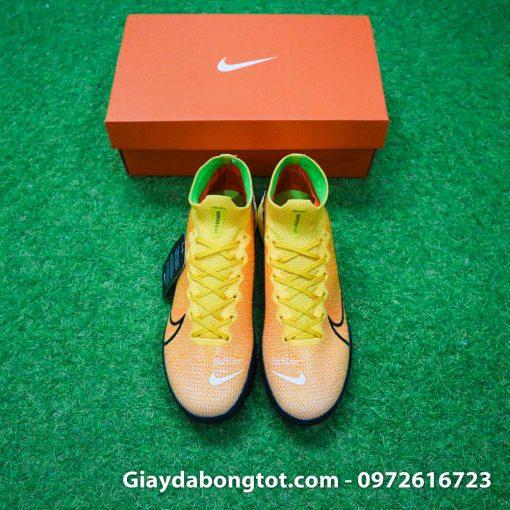 Giày đá banh Nike cao cổ Superfly 7 TF vàng cam có form giày thoải mái đẹp mắt