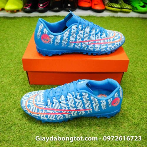 Giày đá bóng Nike CR7 Shuai màu xanh dương có trọng lượng rất nhẹ so với dòng giày khác