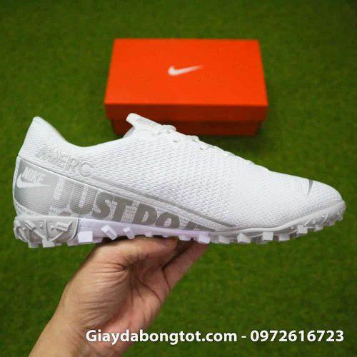 Giay da bong Nike Mercurial Vapor 13 TF mau trang white out 2019 sieu nhe (10)