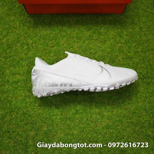 Giay da bong Nike Mercurial Vapor 13 TF mau trang white out 2019 sieu nhe (6)