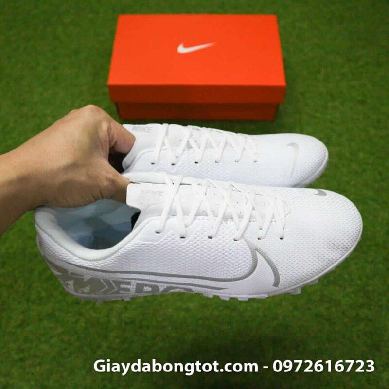 Giay da bong Nike Mercurial Vapor 13 TF mau trang white out 2019 sieu nhe (7)