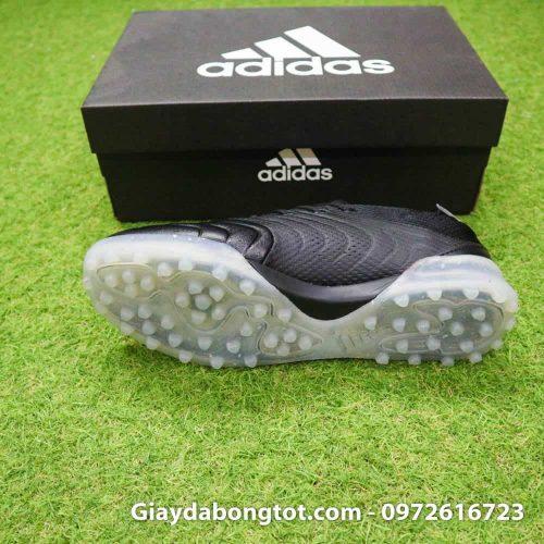 Đế giày sân cỏ nhân tạo Adidas Copa 19.1 TF có độ bám sân tốt giúp chắc chân hơn