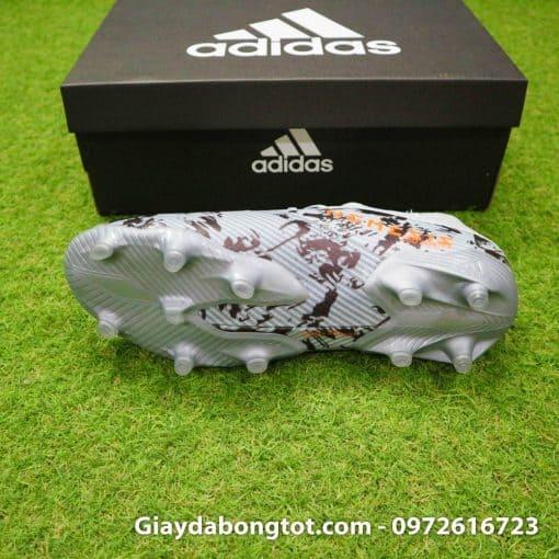 Đinh giày FG hỗ trợ bám sân cực kỳ tốt của giày đá bóng Adidas Nemeziz màu xám Camo