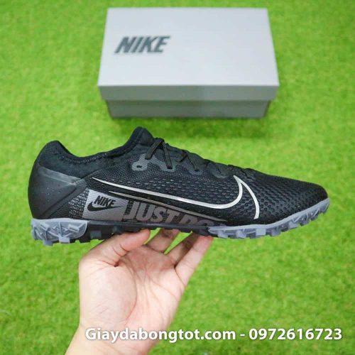 Giày Nike Mercurial Vapor 13 PRO TF đen với form giày thon gọn hỗ trợ rê dắt và sút bóng cực tốt
