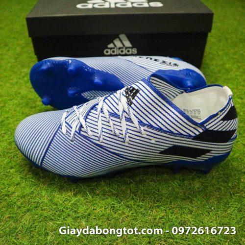 Giày đá bóng da vải Adidas Nemeziz 19.1 FG trắng sọc xanh có form giày thoải mái êm ái