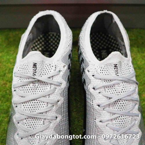 Thiết kế da giày toàn thân được làm bằng vải êm mềm thoải mái