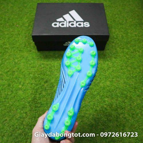 Thiết kế đế giày đinh tán AG hỗ trợ chơi bóng trên cả sân cỏ nhân tạo và sân cỏ tự nhiên