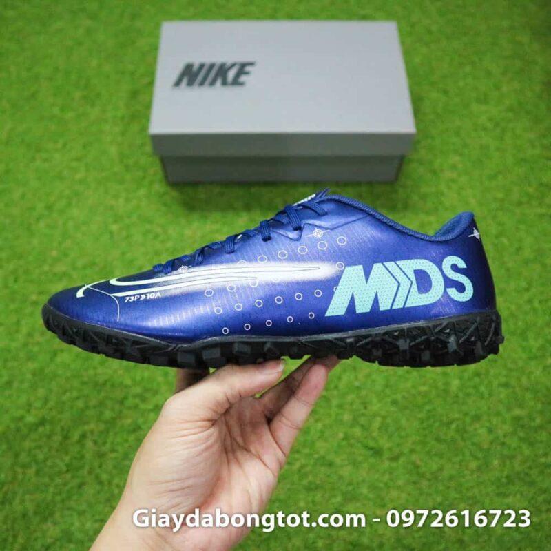 Giày Nike CR7 Dream Speed TF có form giày thon gọn hỗ trợ di chuyển, rê dắt và sút bóng cực tốt