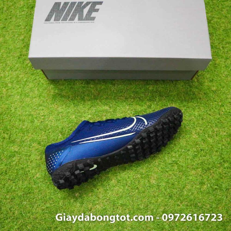 Giày đá banh sân cỏ nhân tạo Mercurial Vapor 13 PRO TF với form giày thon gọn hỗ trợ di chuyển sút bóng rất tốt
