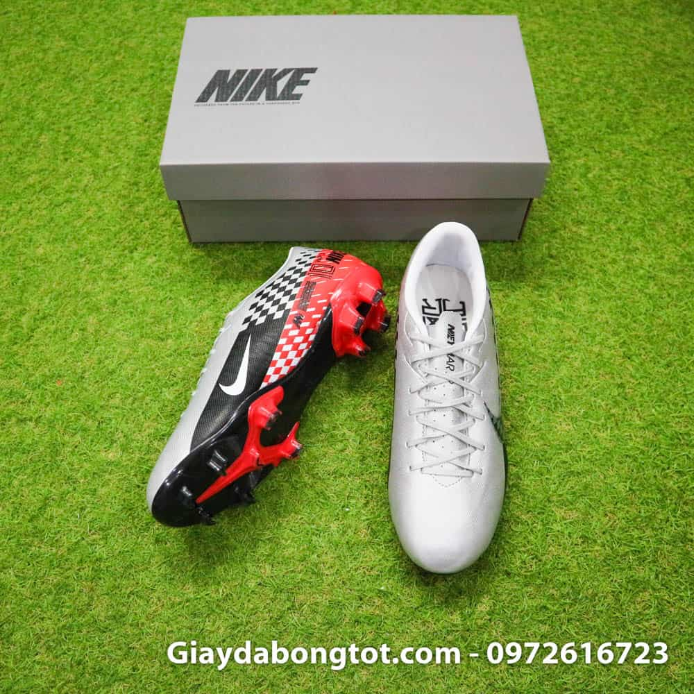 Giày đá banh Nike Mercurial Vapor 13 FG bản Academy có form giày thoải mái phù hợp với cả chân bè