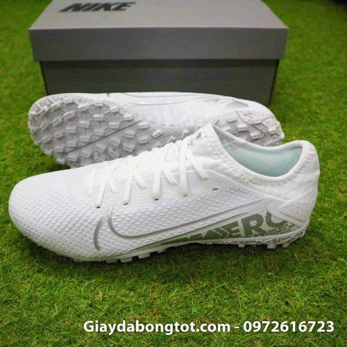 Giày đá bóng Nike Mercurial Vapor 13 PRO TF là mẫu giày sân cỏ nhân tạo hoàn hảo