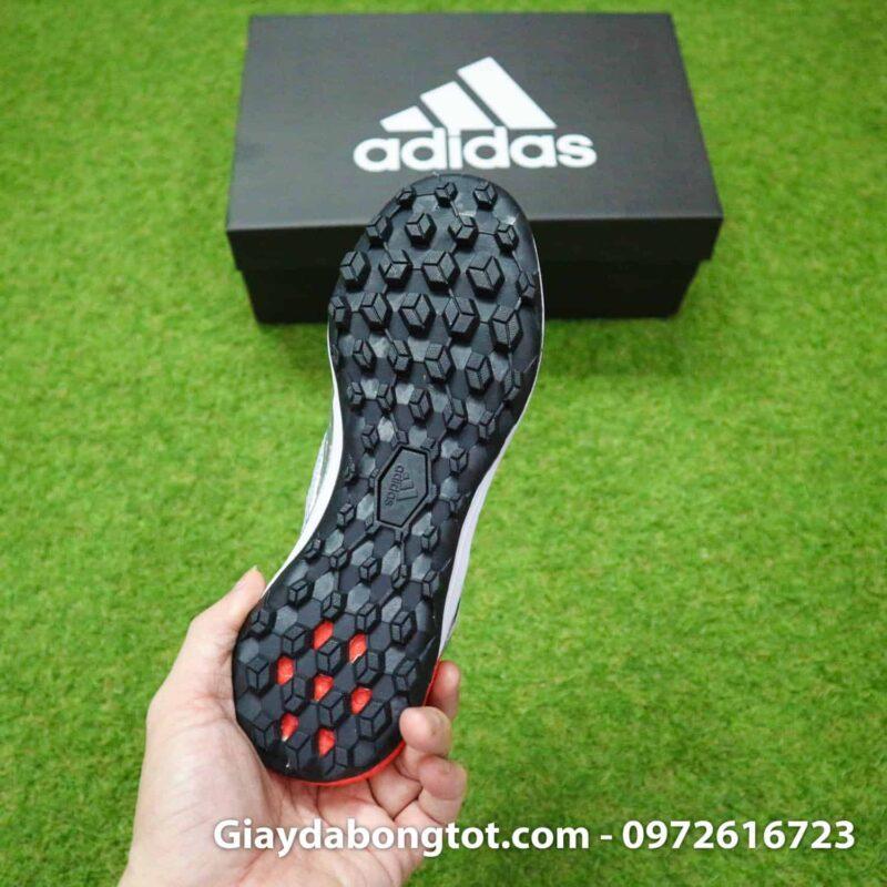 Giày sân cỏ nhân tạo đinh dăm TF hỗ trợ bám sân cực tốt trên sân cỏ nhân tạo