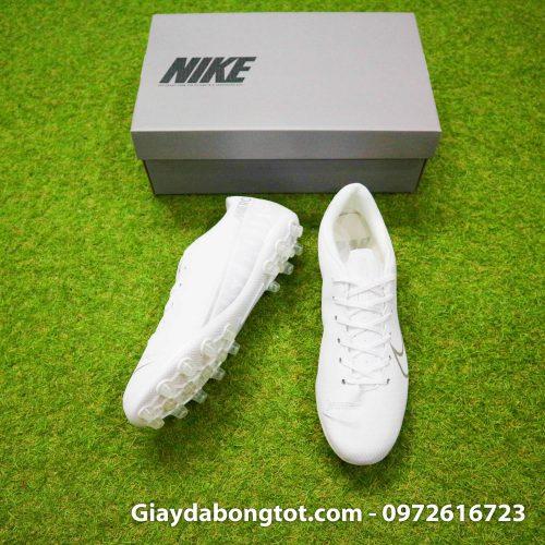 Trải nghiệm giày đinh cao AG trên sân cỏ nhân tạo với form giày đẹp mắt như giày chuyên nghiệp