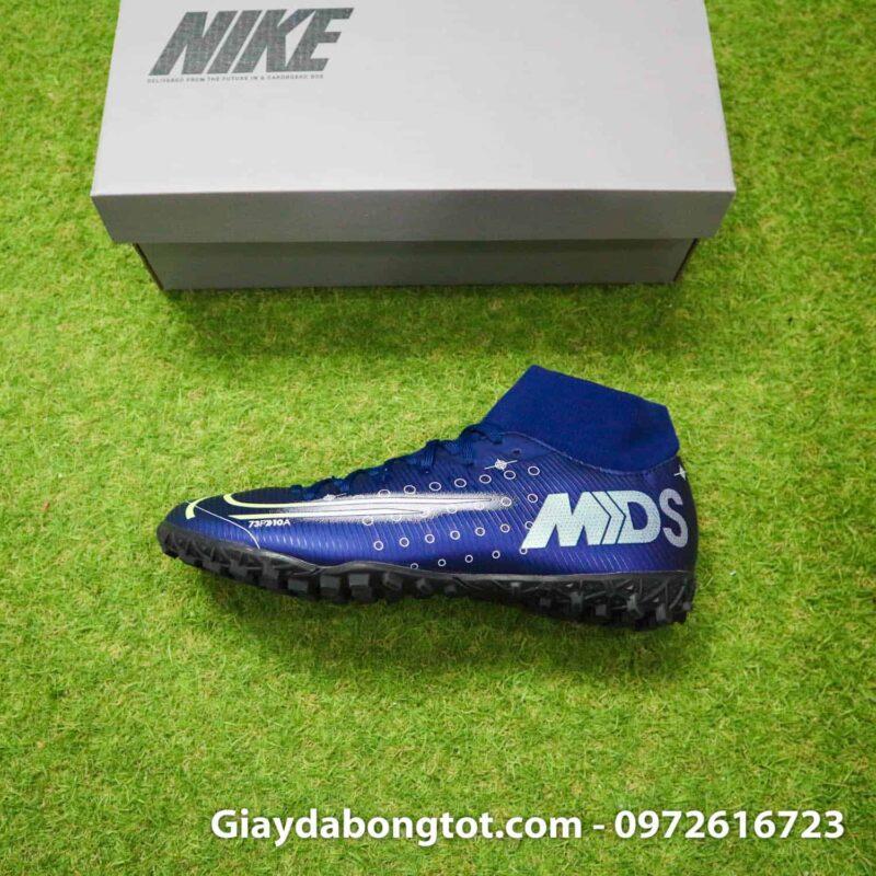 Giày đá bóng Nike Dream Speed là phiên bản mà siêu sao Ronaldo CR7 đang sử dụng trên sân cỏ