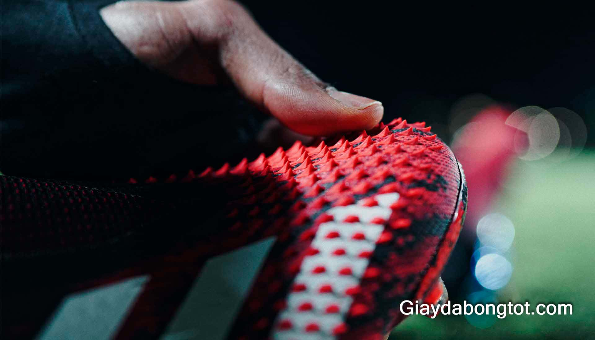 Những chiếc gai nhọn trên bề mặt da Demon Skin của Adidas Predator mới nhất 2020