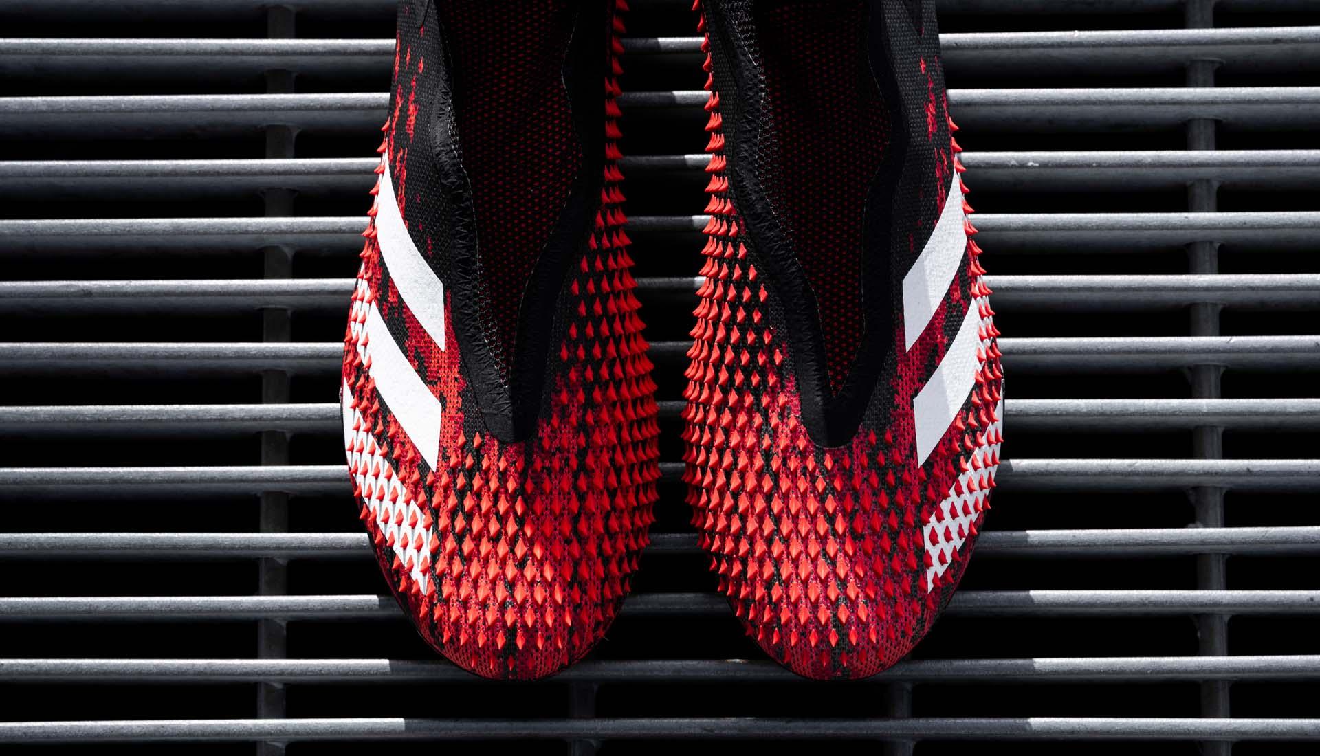 Adidas Predator 20 với các vân nổi gai góc hỗ trợ kiểm soát bóng trên bề mặt