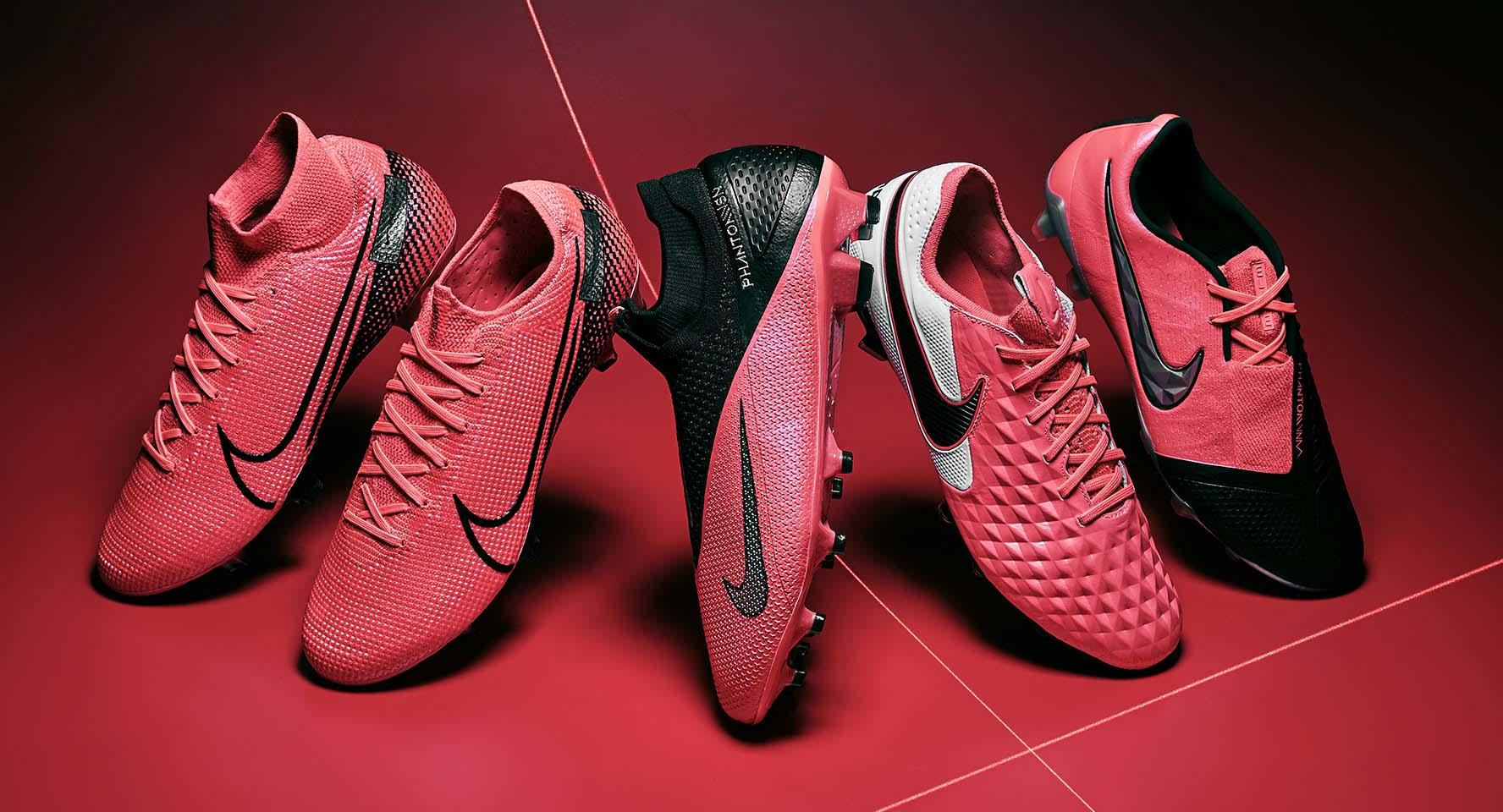 Nên chọn giày đá bóng Nike hay Adidas sẽ tốt hơn?