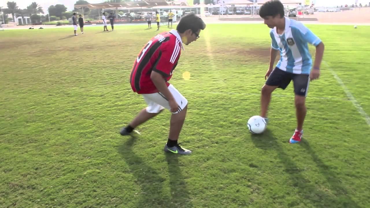 Cách kèm người trong bóng đá