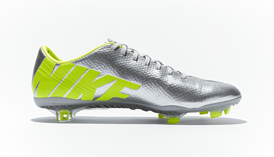 Thiết kế của giày Nike Mercurial Vapor 9 (IX) được ra mắt vào năm 2013