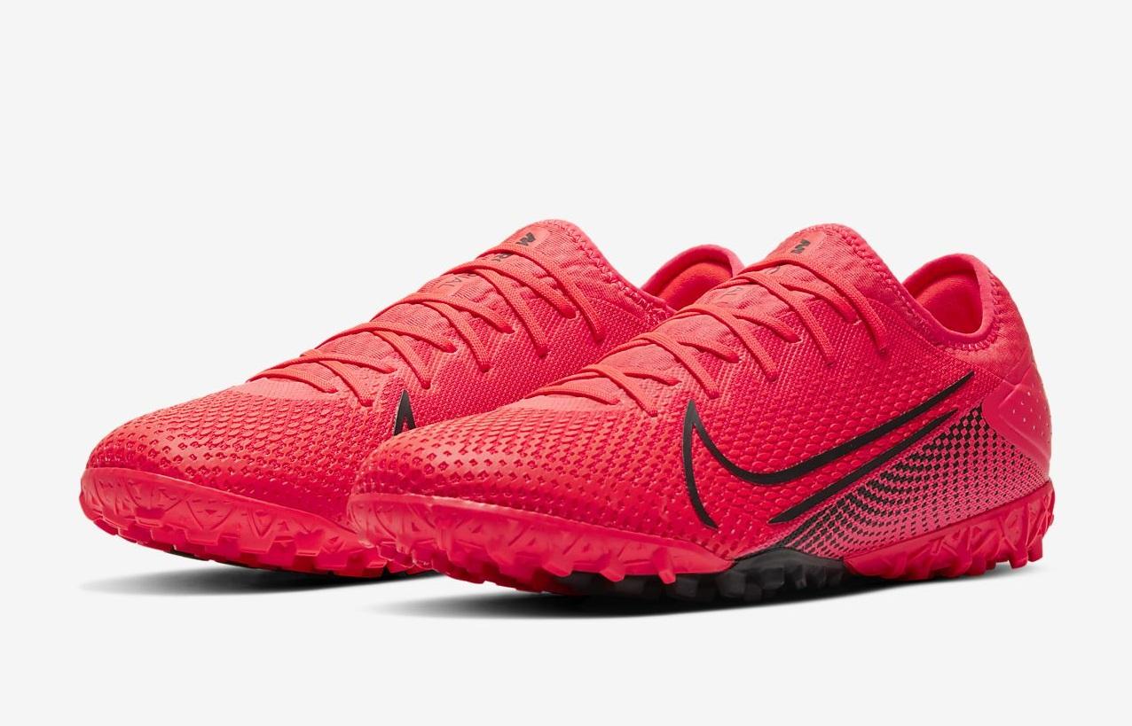 So sánh giày đá bóng sân cỏ nhân tạo Nike Mercurial Vapor 13 Pro TF Fake và Chính Hãng
