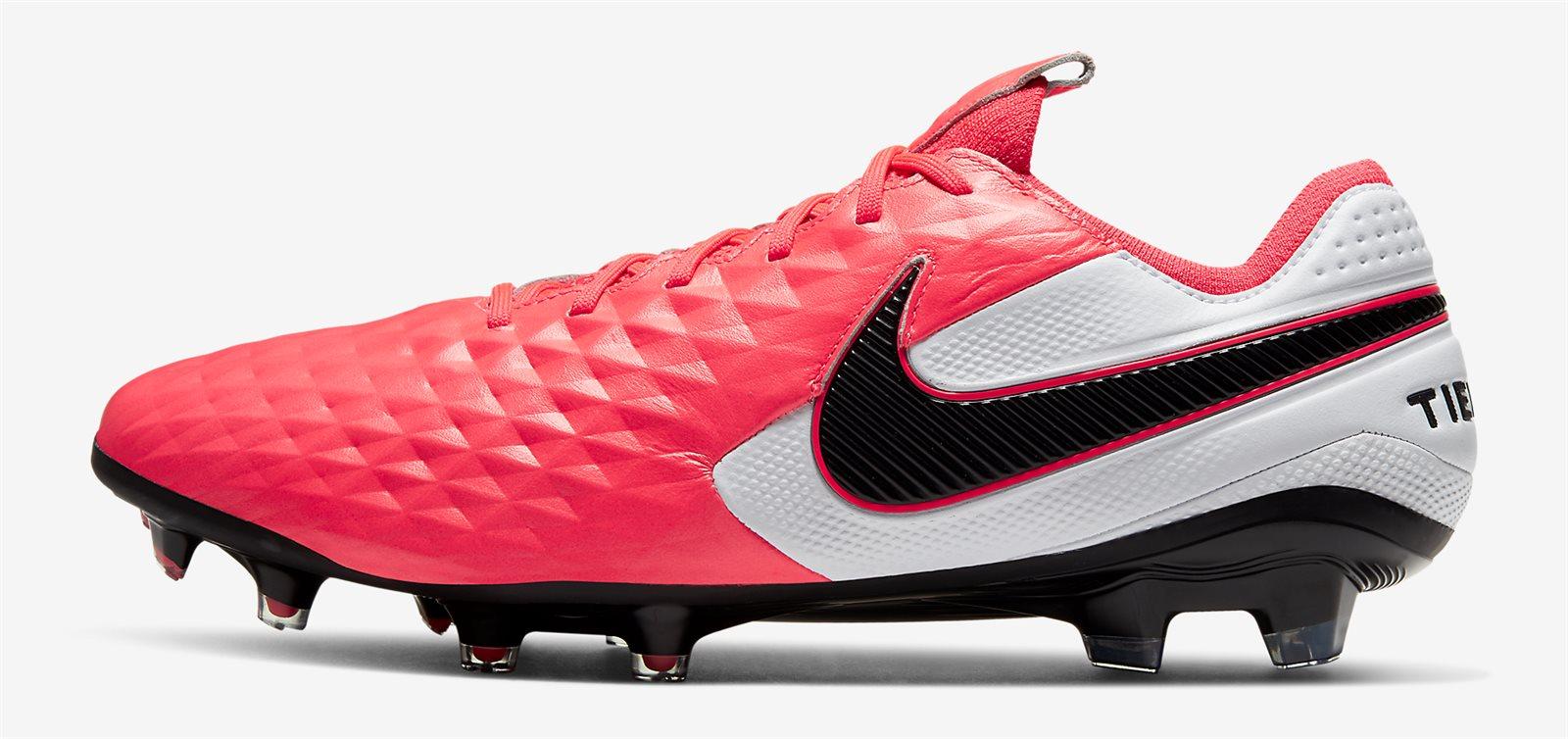 Nike Tiempo là dòng giày da thật được sử dụng nhiều tại Serie A