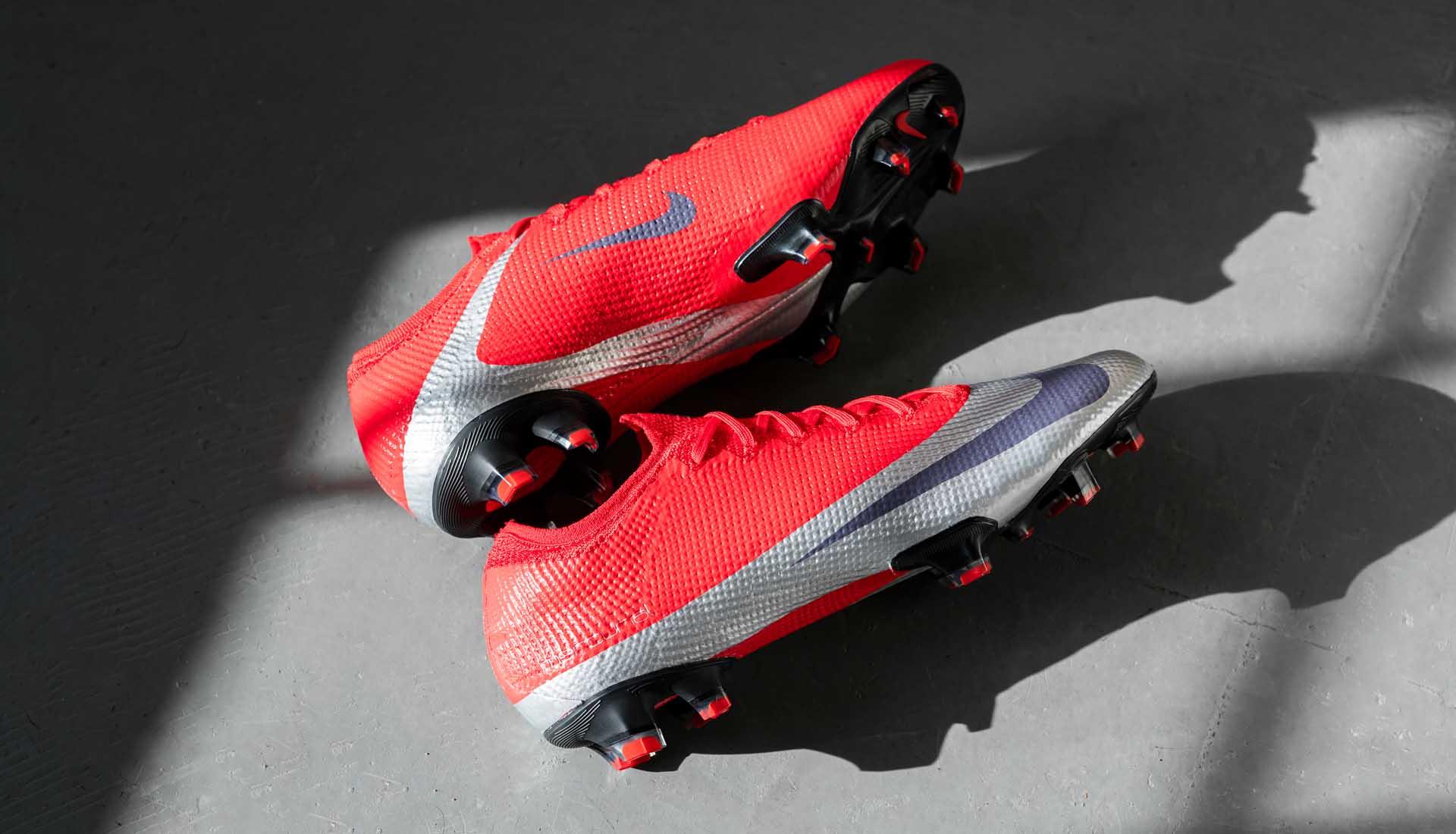 GIày Nike Mercurial Vapor 13 là thế hệ mới giày trợ tốc siêu nhẹ của Nike