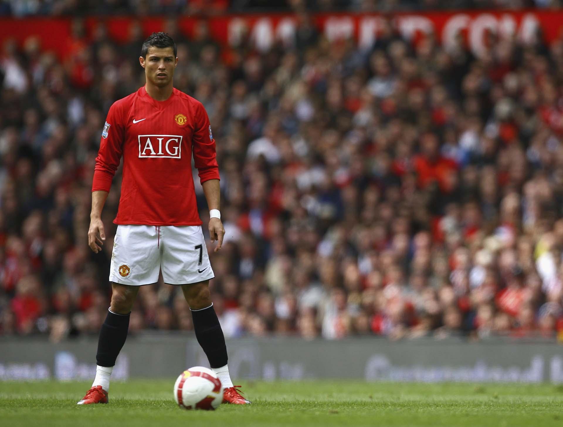 Ronaldo được lựa chọn để đại diện cho dòng giày Nike Mercurial Superfly