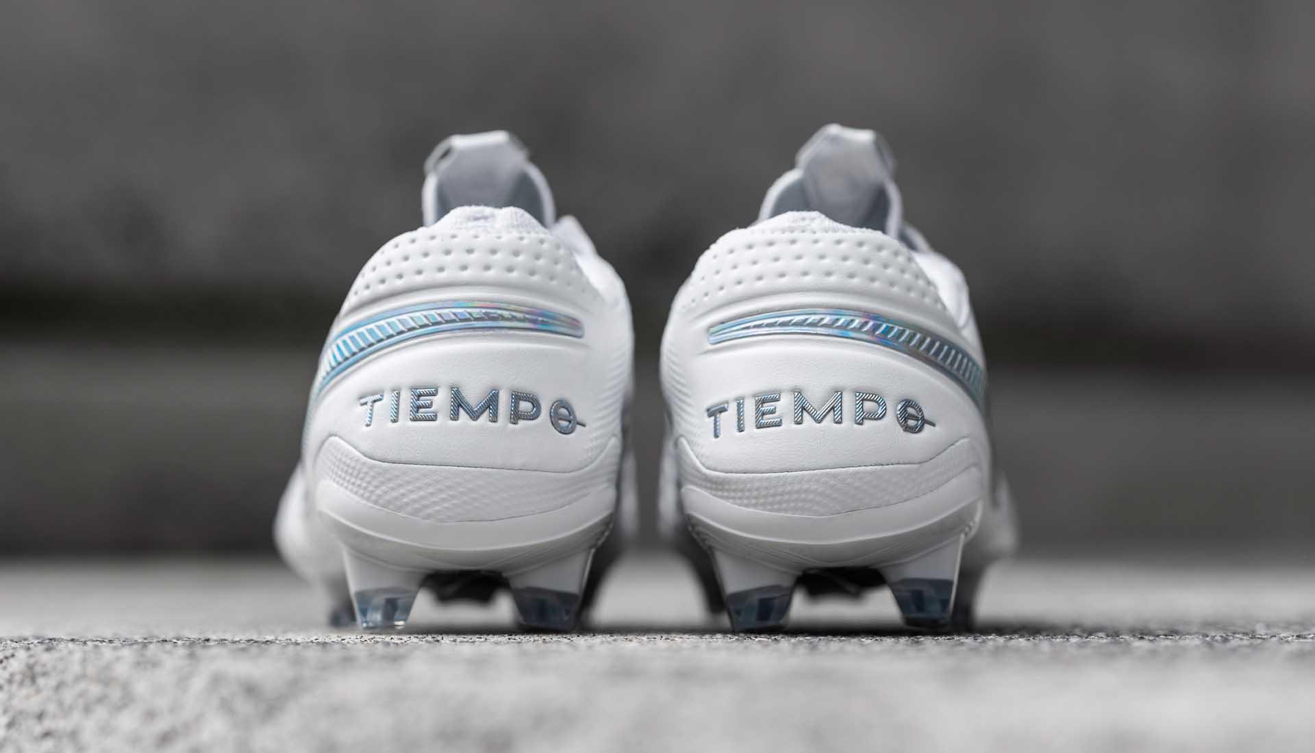 Nike Tiempo là dòng giày bóng đá da thật lâu đời rất được yêu thích của Nike