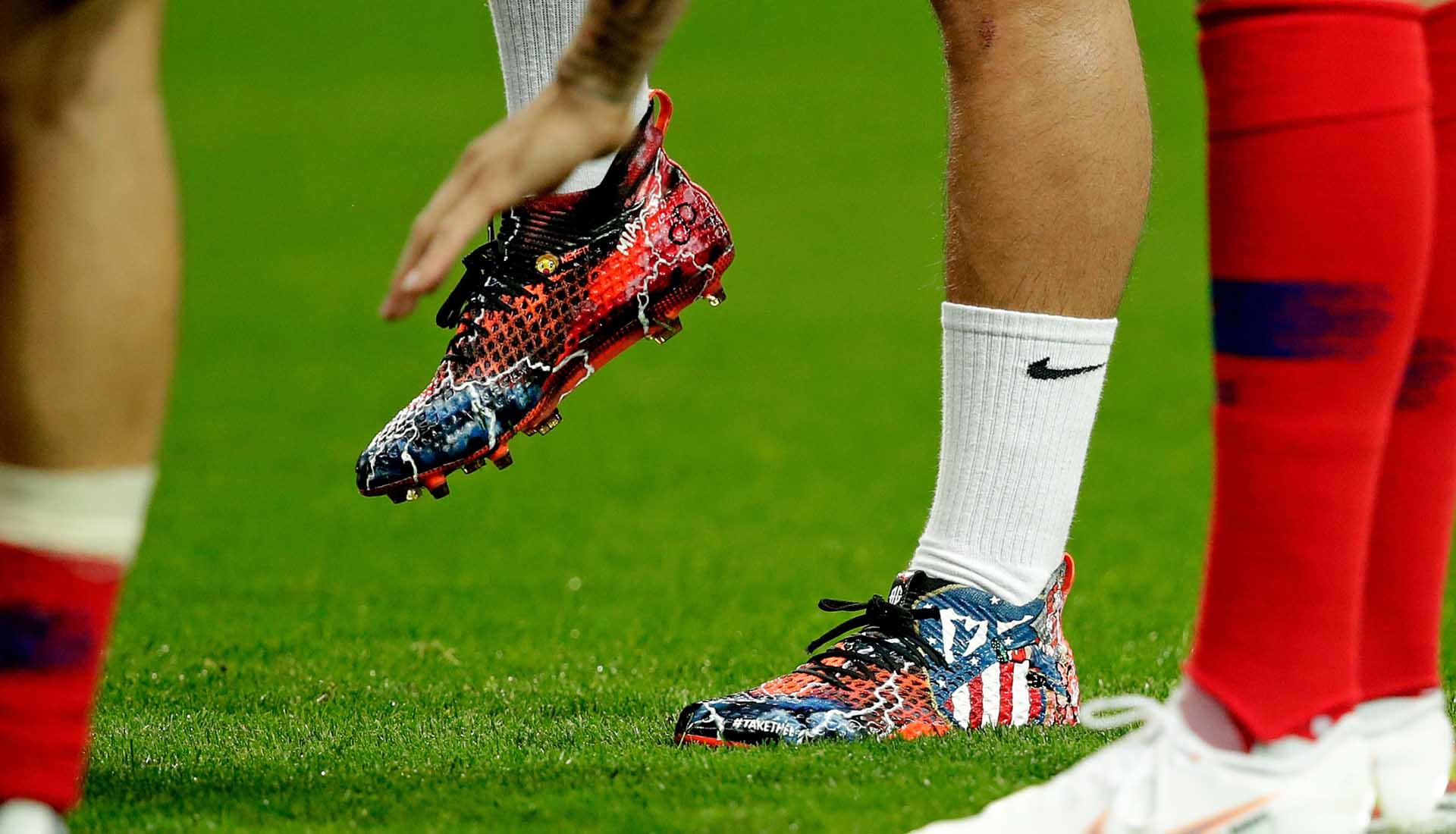 Sử dụng và bảo quản giày đá bóng đúng cách sẽ giúp giày giữ được độ bền cao hơn
