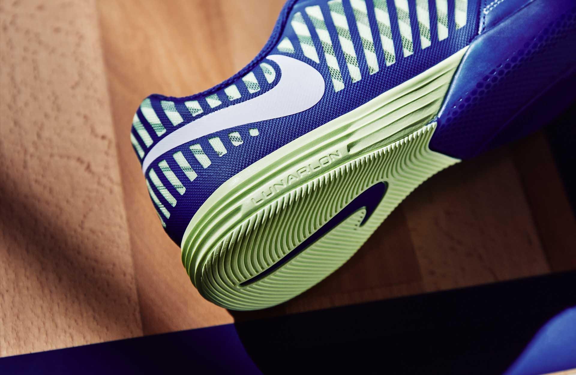 Giày bóng đá đinh IC đế dày sẽ mang lại sự êm chân và bảo vệ đôi chân của bạn