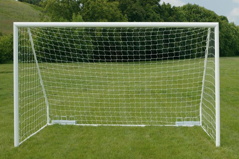 Khung thành bóng đá sân 7 người, sân 5 người và sân Futsal có thiết kế và kích thước khác biệt