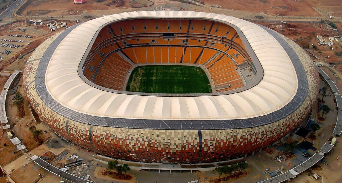 Sân vận động FNB Stadium là một trong top 10 sân bóng đá lớn nhất thế giới