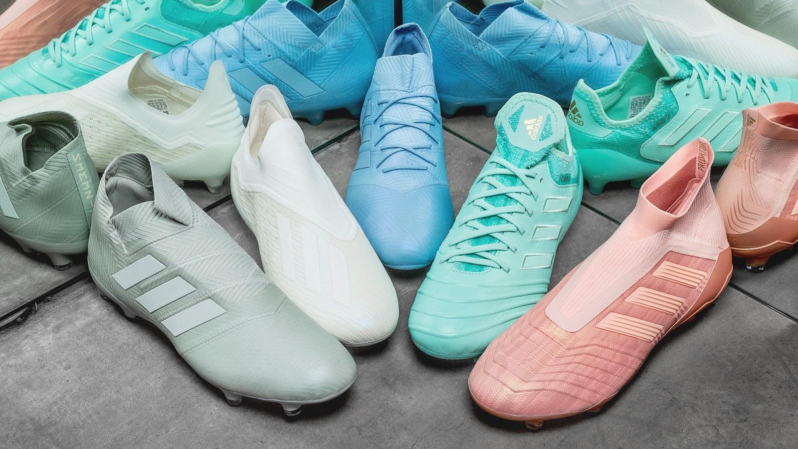 Giày bóng đá không dây Adidas thường được sản xuất với nhiều phân khúc khác nhau
