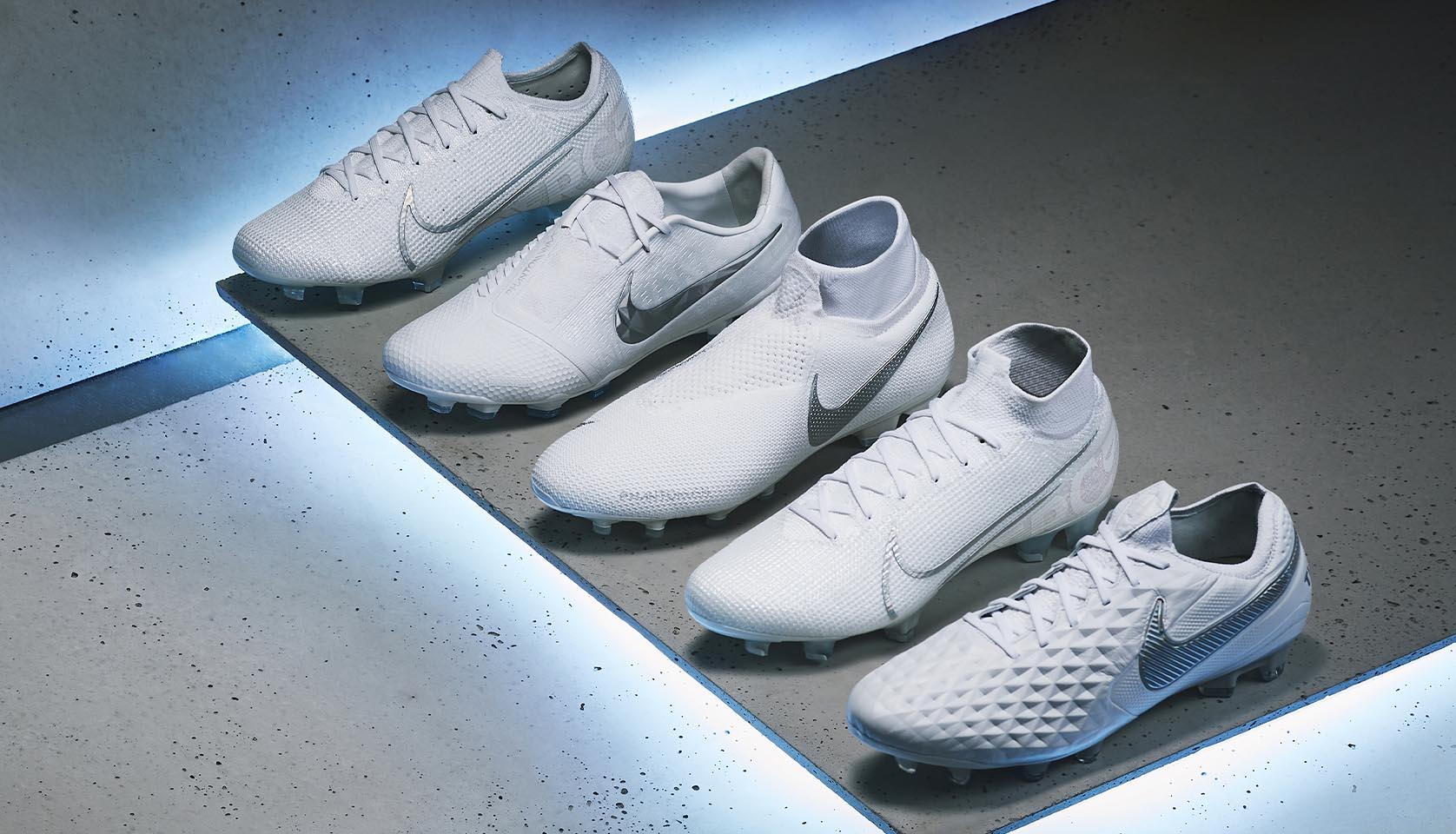 Các dòng giày đá bóng Nike mới nhất sử dụng trong bóng đá chuyên nghiệp