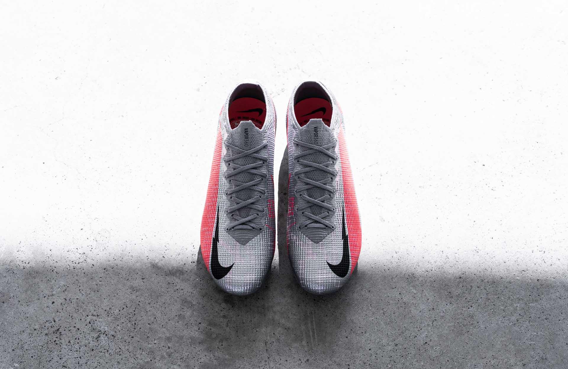 Vẻ đẹp của giày bóng đá Nike Neighbourhood Pack