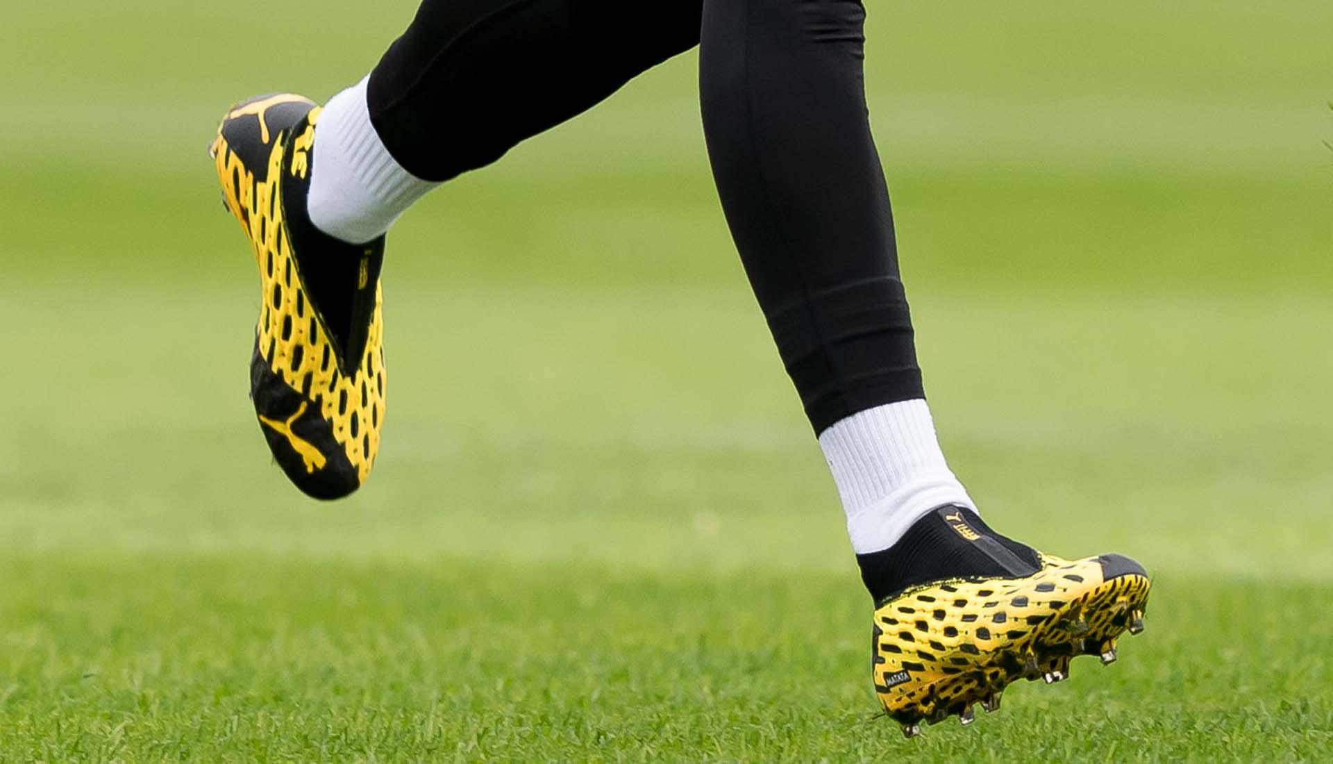 Giày bóng đá 500k là phân khúc giày fake thương hiệu nổi tiếng Nike Adidas