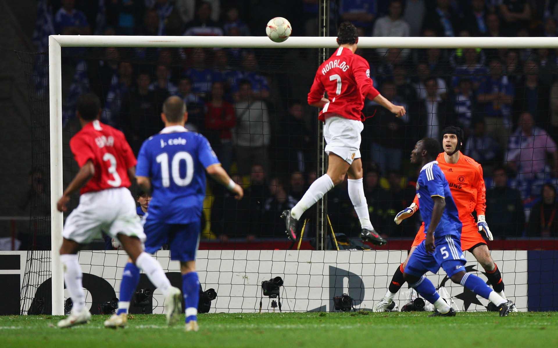 Ronaldo CR7 đã ghi bàn thắng quan trọng tại trận chung kết cúp C1 2007-2008