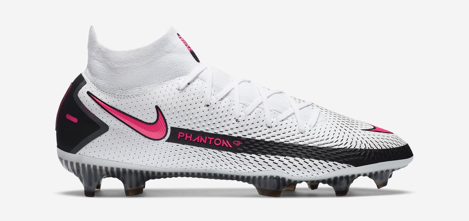 Nike Phantom GT phiên bản cổ cao cũng được làm bằng chất liệu vải sợi dệt