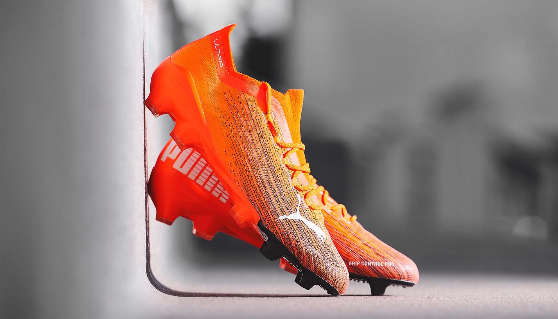 Puma cũng đang dần thay đổi chất liệu da vải sợi dệt cho các mẫu giày bóng đá của mình