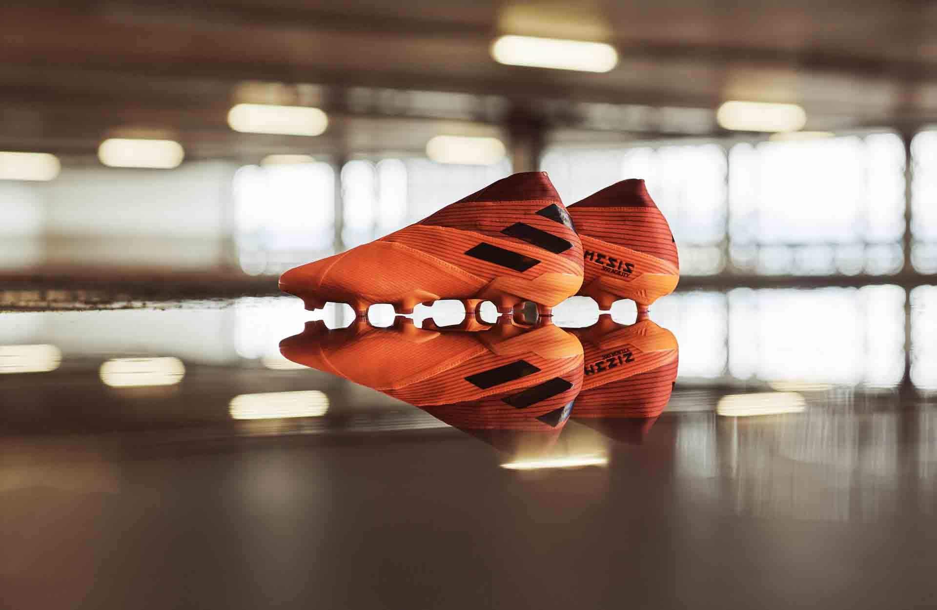Adidas Nemeziz trong bộ sưu tập Inflight pack với gam màu cam đen đẹp mắt