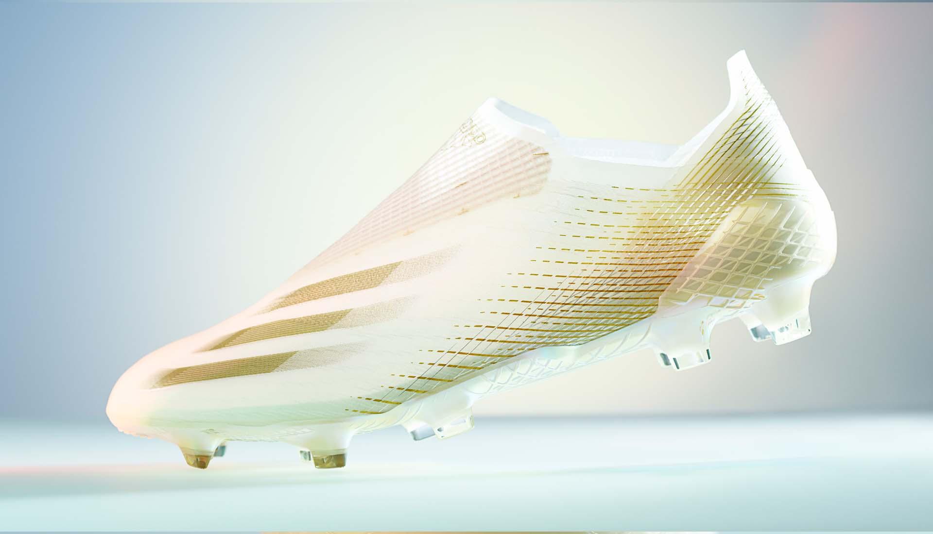 Adidas X Ghosted là một dòng giày bóng đá chuyên nghiệp có trọng lượng nhẹ