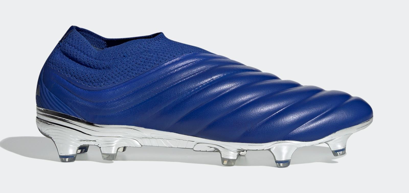 Phiên bản không dây của dòng giày Adidas Copa 19+ được sử dụng trong bóng đá chuyên nghiệp