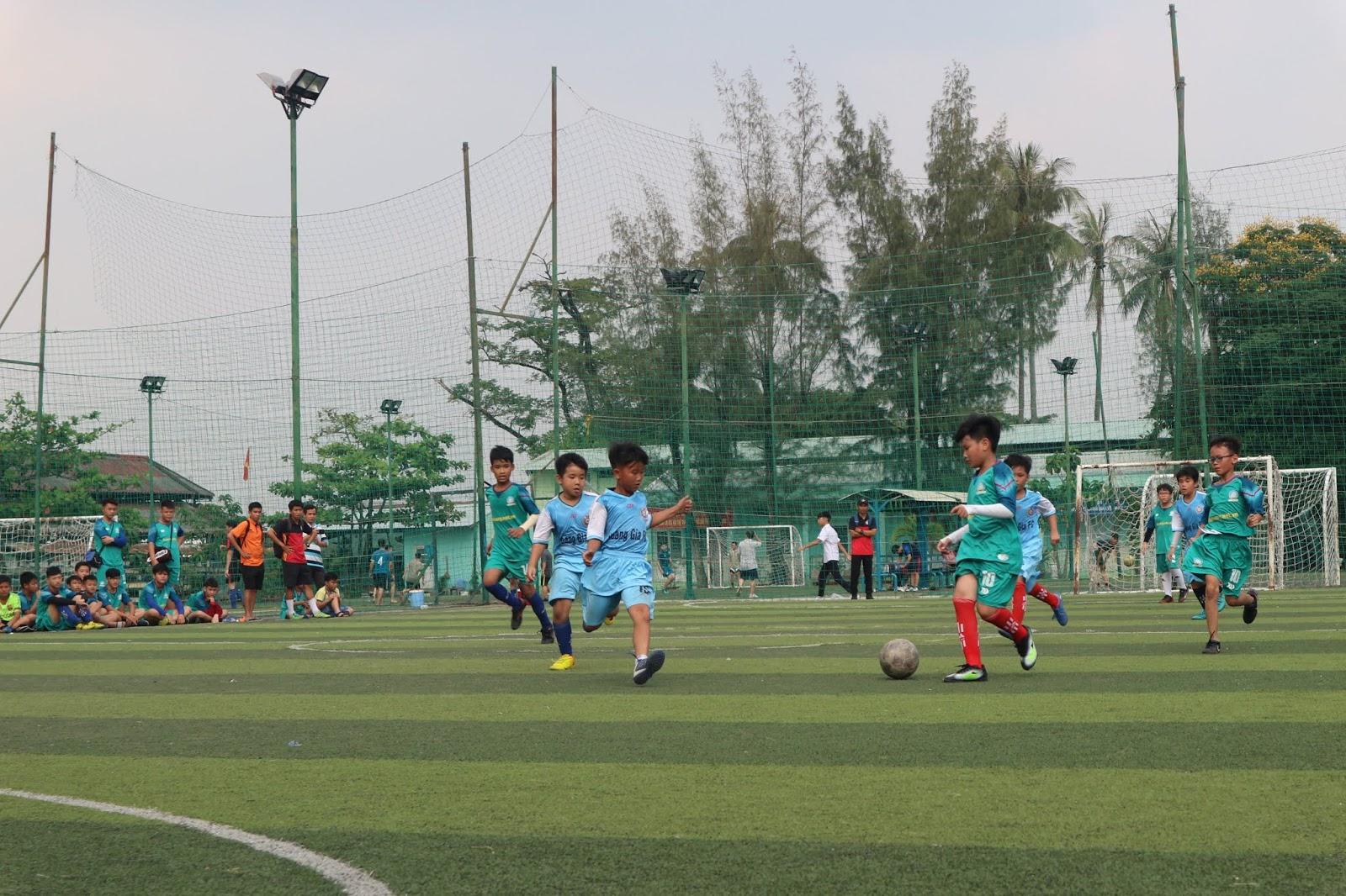 Sân bóng đá Thành Phát nằm ở địa chỉ số 2 Hoàng Minh Giám, Cầu Giấy, Hà Nội