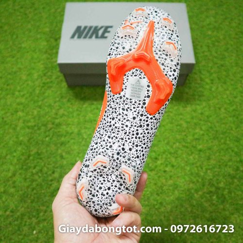 Giay bong da nike mercurial superfly 7 elite fg safari cr7 den trang (1)
