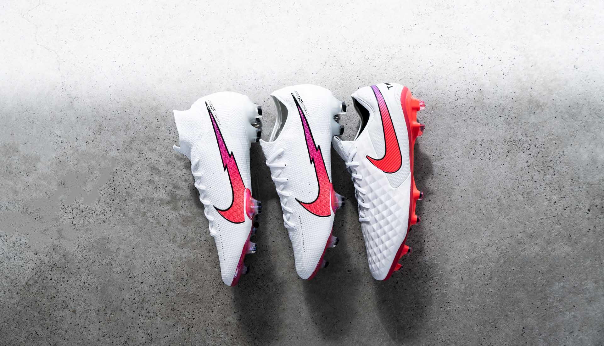 Nike ra mắt bộ sưu tập Flash Crimson Pack với gam màu trắng vạch đỏ đẹp mắt