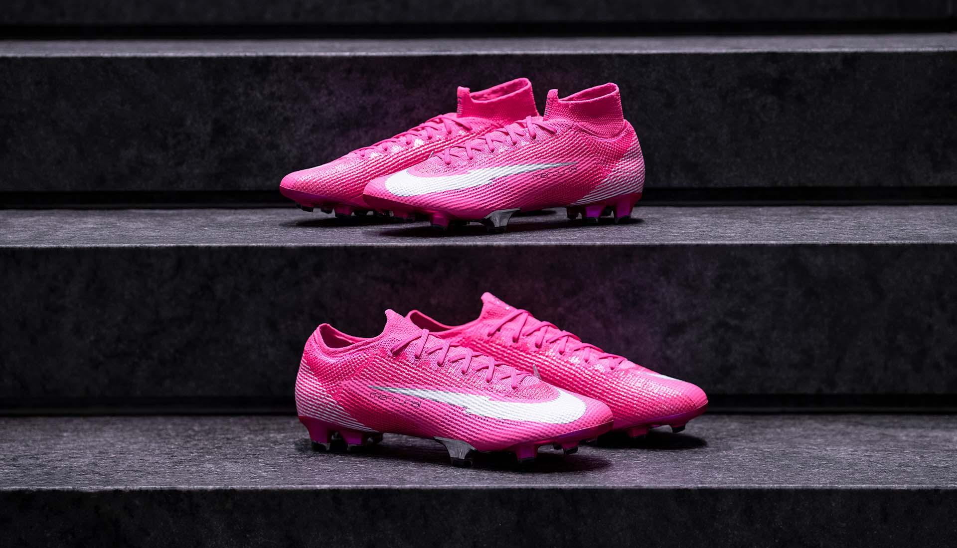 Nike Mercurial màu hồng của Mbappé được thiết kế với phiên bản cổ cao và cổ thấp