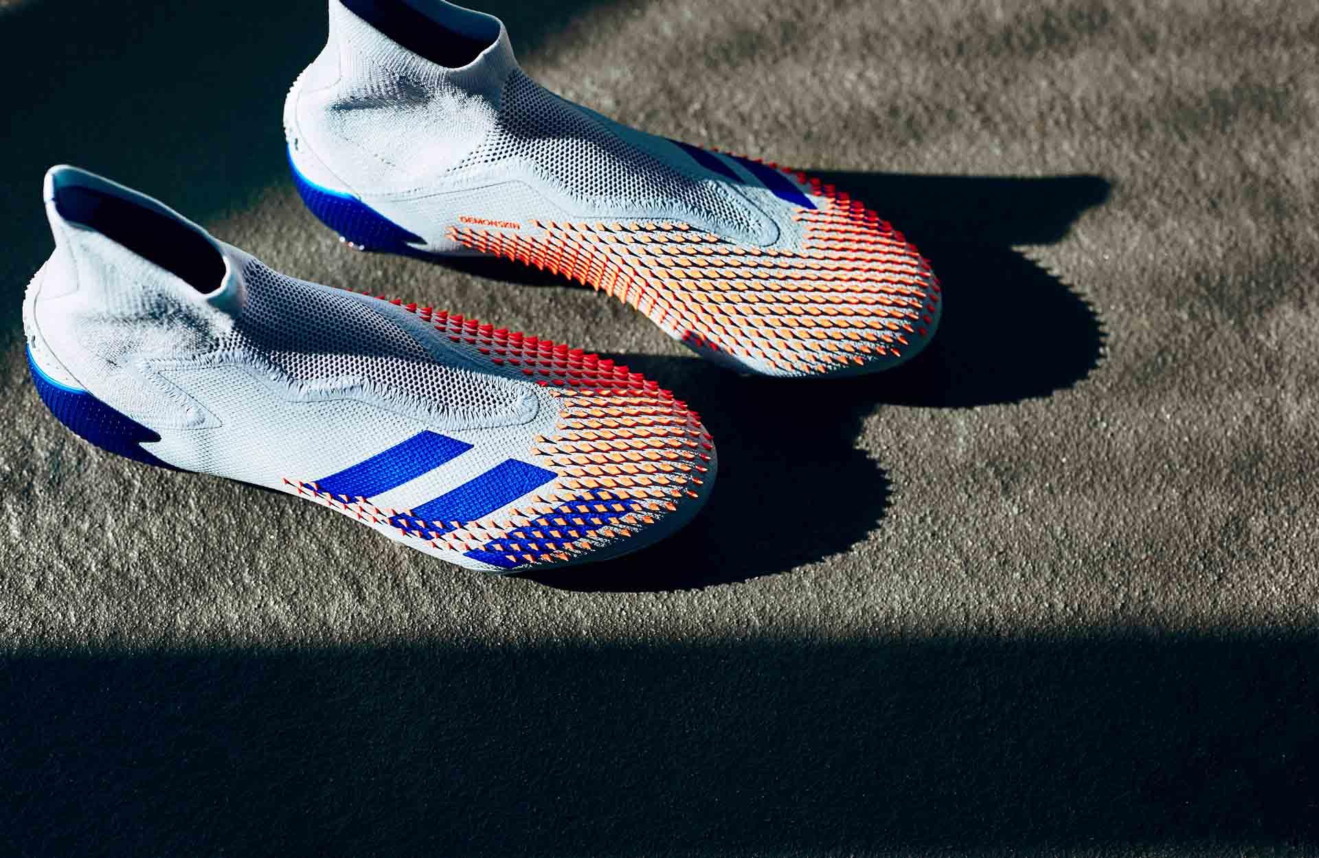 Mức giá của giày đá bóng Adidas Glory Hunter pack