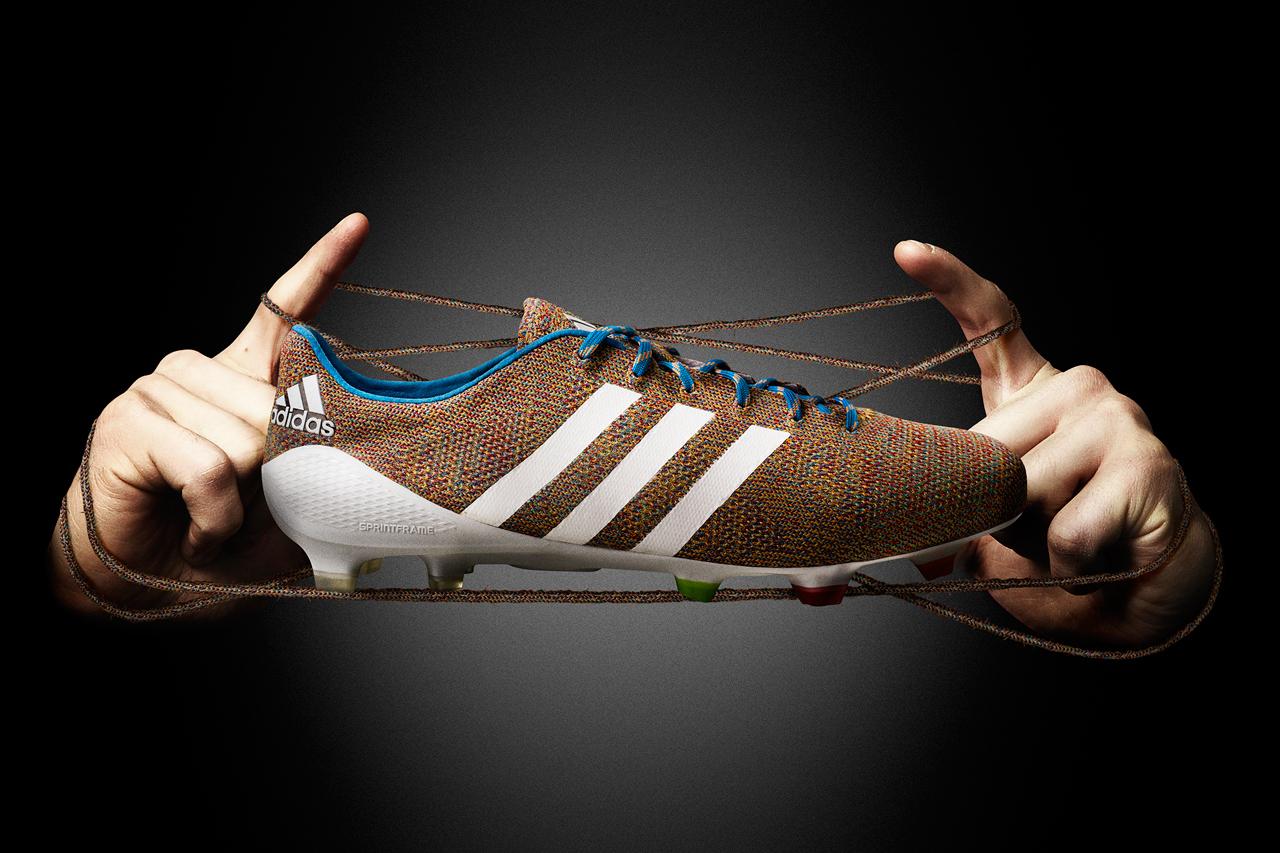 Giày đá banh da vải có rất nhiều ưu điểm tuyệt vời với độ bền rất cao