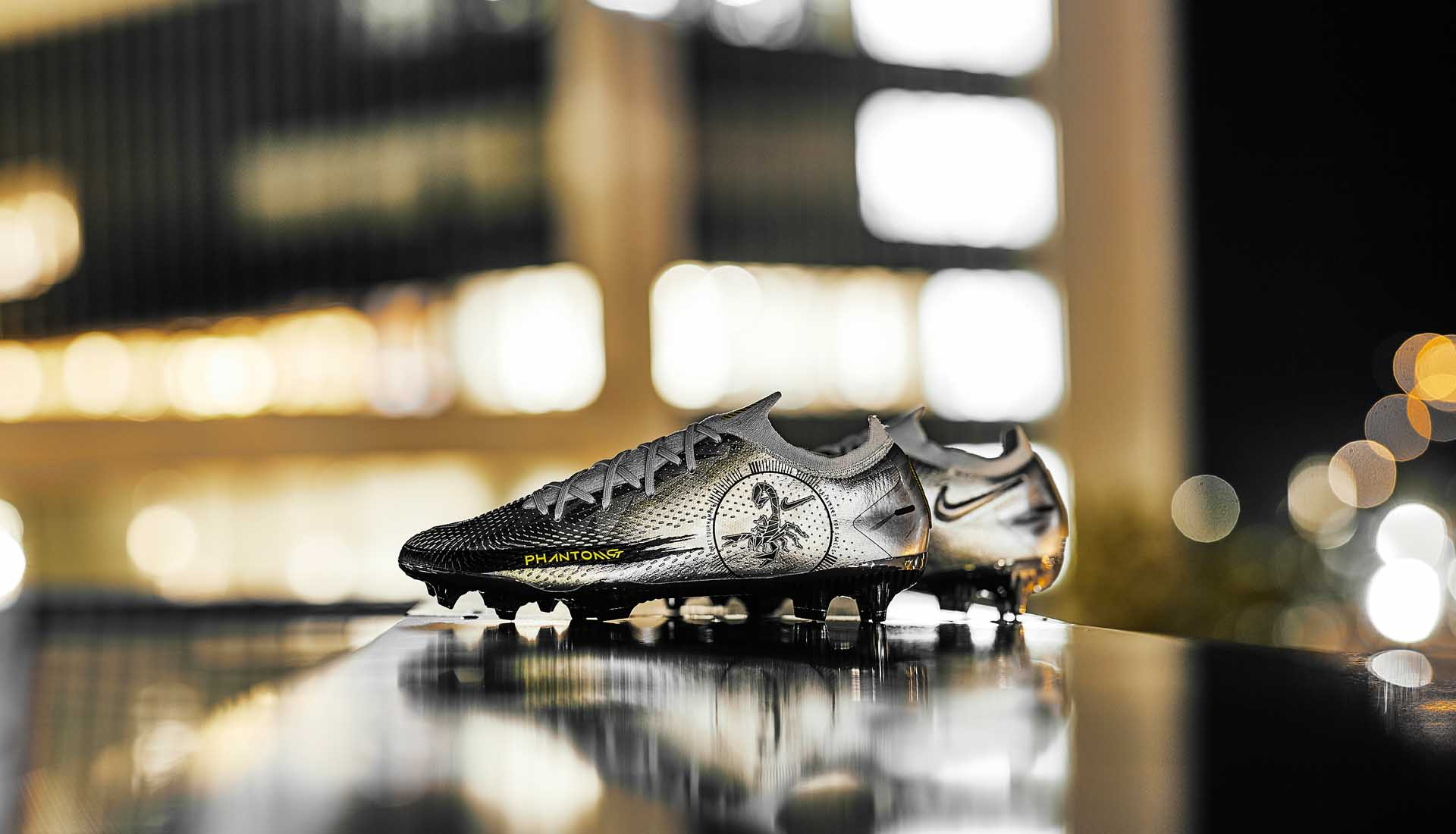 Nike Phantom GT màu bạc Scorpion với thiết kế đẹp mắt và độc đáo