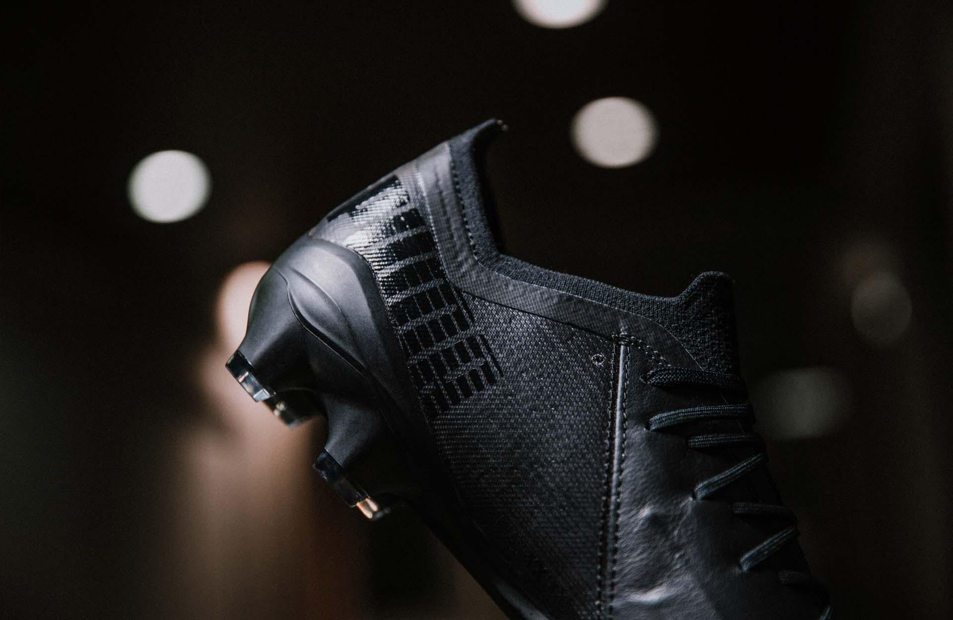 Phần gót giày Puma Ultra 1.1 Leather có thiết kế giống với phiên bản thường